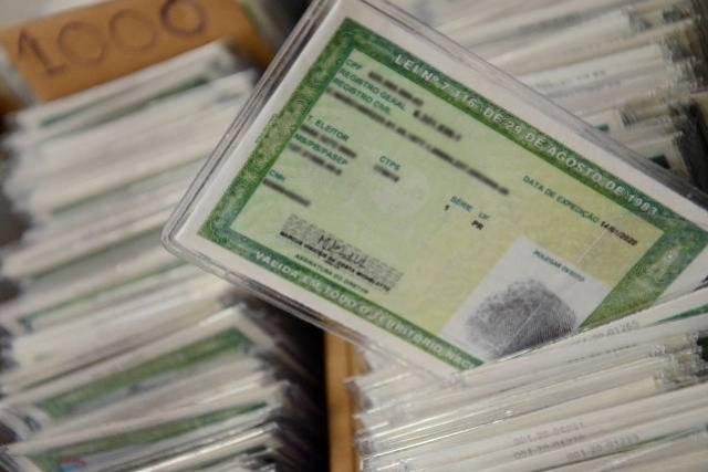Taxa para emissão do RG pode ser paga via Pix e com leitura de QR Code