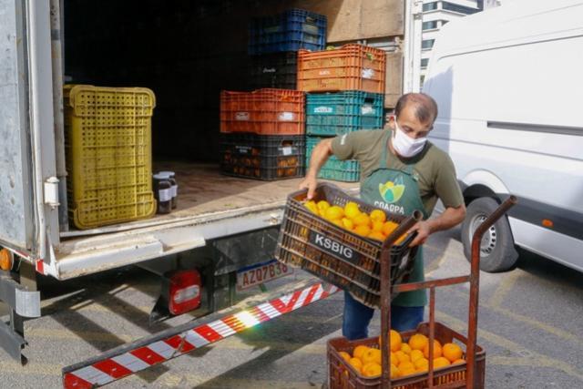 Governo do Paraná inicia doação de alimentos do Compra Direta
