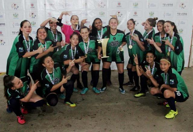 Nereu Ramos conquista bicampeonato da categoria feminino B