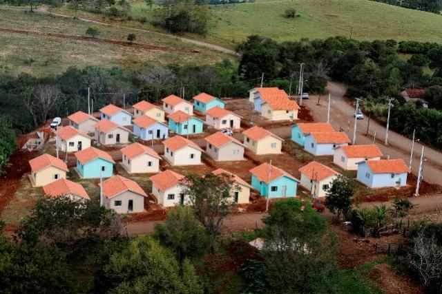 Governo do Estado e prefeituras assinam plano de trabalho para a construção de 303 casas populares