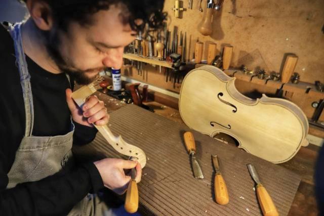 Com 85 fabricantes, Paraná é referência na produção de instrumentos musicais artesanais