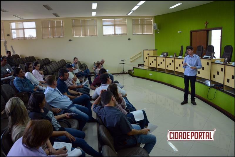 Prefeito Rafael Bolacha anuncia em audiência pública mais de R$800 mil em emendas parlamentares