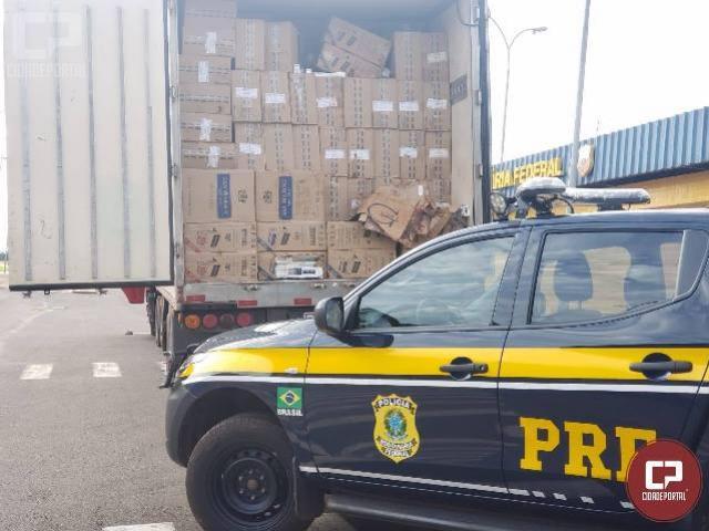 PRF apreende meio milhão de carteiras de cigarro no Paraná