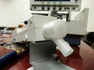 Engenheiros e alunos da Unioeste criam peças e consertam equipamentos hospitalares com impressoras 3D