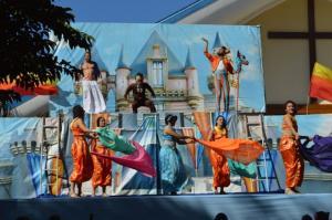 Espetáculo Circense lota praça da Igreja Matriz