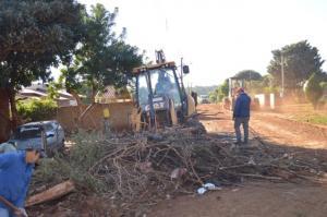 Vila rural Elias Abraão recebe mutirão de limpreza