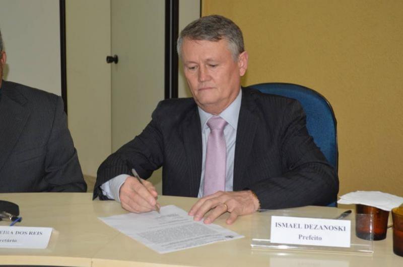 Ismael José Dezanoski assume prefeitura de Janiópolis e pede união para administrar a cidade