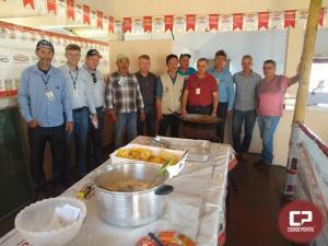 Emater e parceiros realizam dia de campo sobre mandioca em Janiópolis