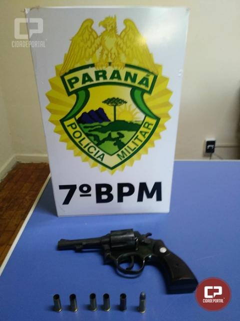 Três pessoas foram presas e uma arma apreendida após assalto com refém em Mariluz