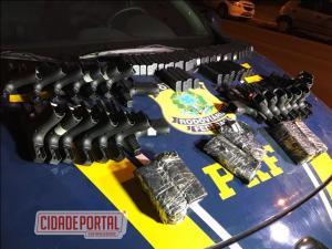 Polícia Rodoviária Federal apreende 4,3 toneladas de maconha, 23 pistolas e 500 munições no Paraná