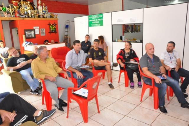 Federação Estadual de Karatê Interestilos do Paraná define calendário 2019 e nomeia novos diretores