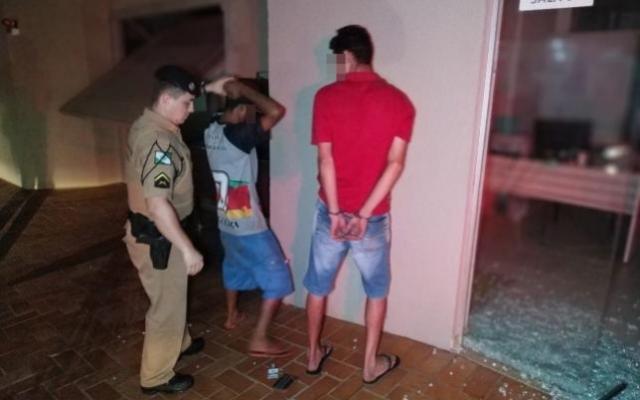 Policial prende ladrões em flagrante quando chegava em casa do serviço em Campo Mourão