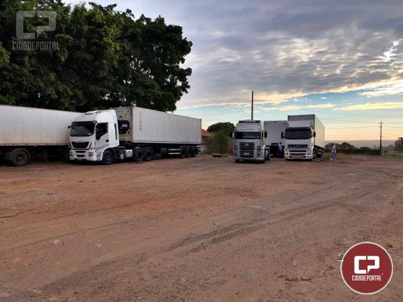 PF de Maringá apreende grande quantidade de veículos adulterados, ligados ao contrabando
