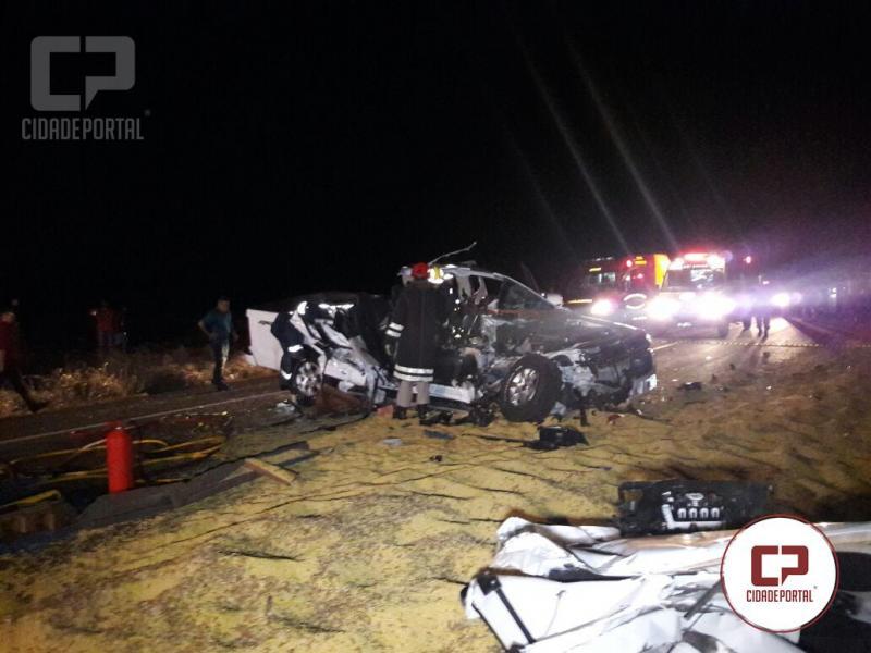 Acidente entre CM e Farol mata esposa do ex-prefeito de Boa Esperança e deixa 2 feridos