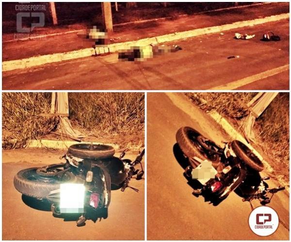Uma pessoa morre e a outra fica gravemente ferida em acidente com motocicleta na cidade de Goioerê