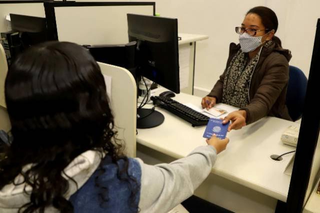 Agências do Trabalhador ofertam 3.344 vagas de emprego com carteira assinada