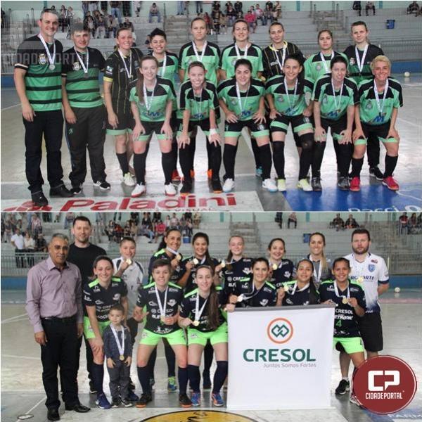 Seleção feminina de São Jorge Do Oeste celebra pentacampeonato regional do futsal nos JAPS