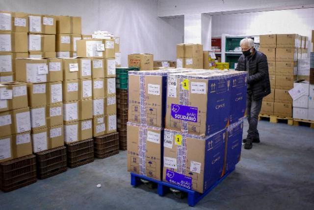 Paraná receberá 180.180 vacinas da Pfizer neste sábado, parte do novo lote da semana