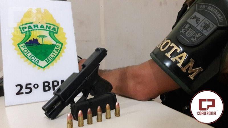 Equipes Rotam e RPA de Umuarama prende uma pessoa com uma pistola 9mm