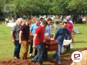 Emoção e dor no sepultamento dos moradores de Moreira Sales que sofreram acidente no Mato Grosso