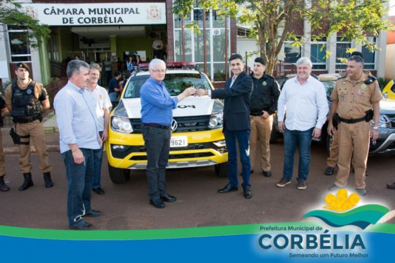 Chefe da Casa Civil faz entrega de viaturas e anuncia verbas para o município de Corbélia
