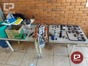 Operação Bate Grade na Cadeia Pública de Goioerê apreende celulares, carregadores e anotações dos criminosos
