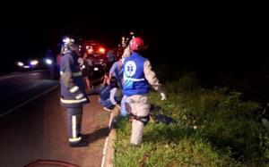 Ônibus com trabalhadores tomba na Estrada Boiadeira e deixa dois mortos e 28 feridos