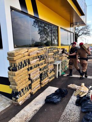 Polícia Rodoviária Estadual apreende 1,5 tonelada de maconha em Umuarama-PR