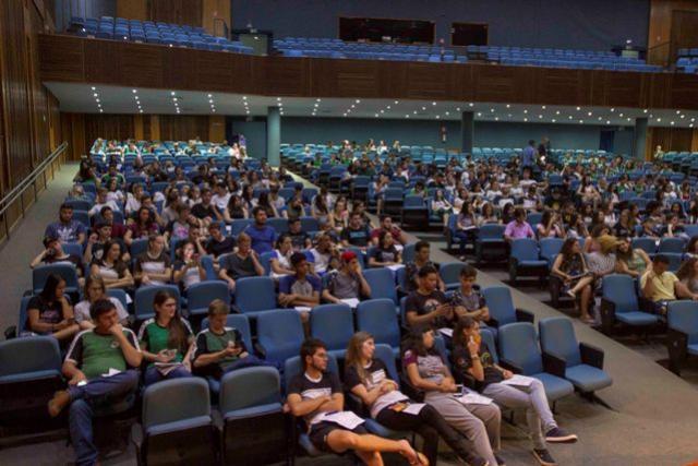 Secretaria da juventude promove palestra para alunos que farão o Enem