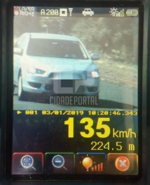 Polícia Rodoviária Estadual de Santa Helena atua mais de cem veículos em operação de fiscalização