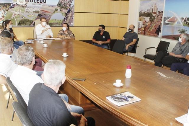 Entidades debatem uso e reforma de sede da Associação do Porto Alegre