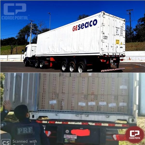 PRF apreende uma carreta container carregada 45 mil caixas de cigarros contrabandeados em Toledo