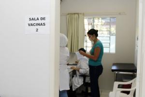 Últimas unidades: população em geral ainda pode se vacinar contra a gripe