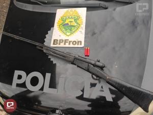 BPFron apreende grande quantidade de cigarros, arma de fogo, veículos e quatro presos em Laranjeiras do Sul