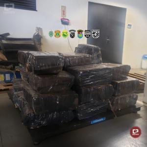 Lancha com aproximadamente 570 kg de maconha foi apreendida em Pato Bragado durante Operação Hórus