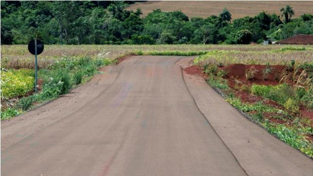 Linha Nova Brasília: Prefeitura investe em novo asfalto na área rural de Toledo