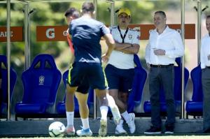 Rogério Caboclo assiste ao treino e almoça com atletas da Seleção Olímpica na Granja Comary