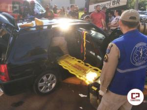Acidente na Senador Attilio Fontana com Armando Luiz Arrosi  deixas duas pessoas feridas