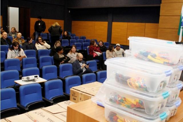 Kits Educacionais são distribuídos em escolas municipais de Toledo