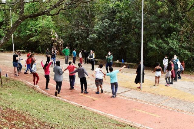 Trilha no Parque Linear Sanga Pinheirinho abre programação do Dia da Árvore