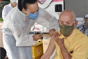 Covid-19: Toledo inicia vacinação em idosos com mais de 95 anos de idade