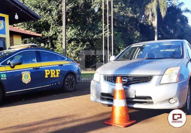 PRF apreende equipamentos eletrônicos em fundo falso de veículo no município de Quatro Pontes