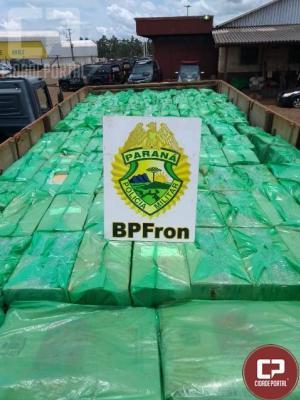 BPFron apreende cerca de 30 mil pacotes de cigarros em uma ocorrência na cidade de Guaíra - PR