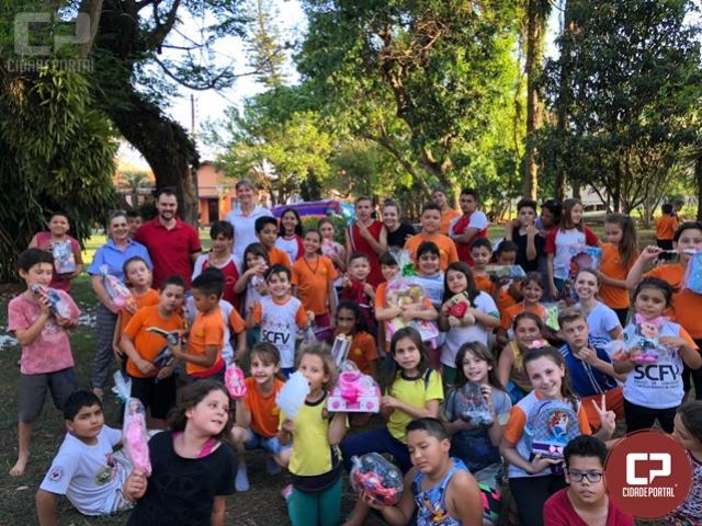 Campanha faça uma criança feliz foi realizada em Toledo