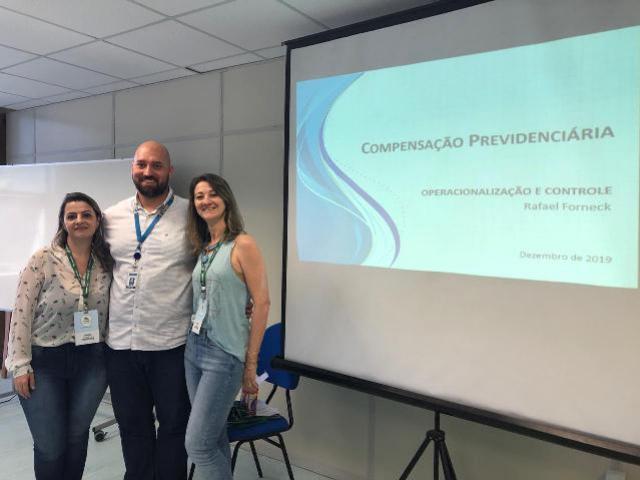 Servidoras do TOLEDOPREV participam de capacitação de compensação previdenciária