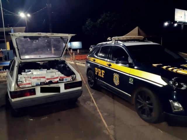 PRF apreende veículo carregado com cigarros contrabandeados em Santa Terezinha de Itaipu