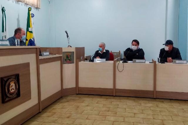 Vice-prefeito toledano conversa com lideranças de São Pedro do Iguaçu