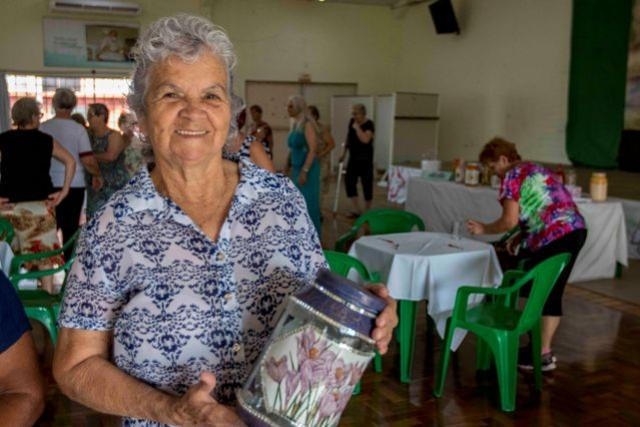 Artesanato traz qualidade de vida para idosas de Toledo