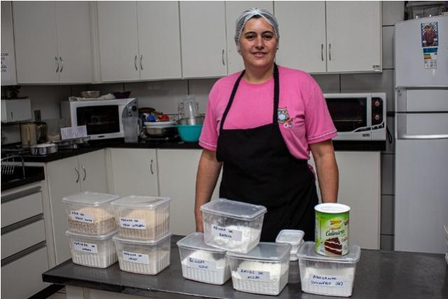 Cozinheiras da SMED de Toledo recebem cursos de Produção de alimentos