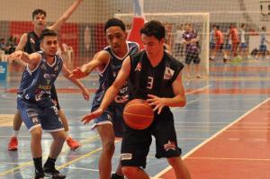 Trabalho de base garante título inédito para Toledo no basquete